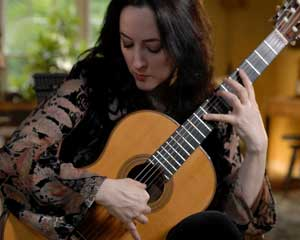 Virginia Luque, classical guitarist